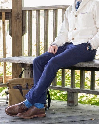 Blue Socks Outfits For Men: A white shawl cardigan and blue socks are a good outfit formula to have in your wardrobe. If you feel like stepping it up a bit now, add brown leather derby shoes to the mix.