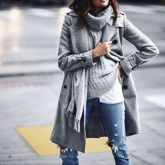 How to Wear a Grey Cowl-neck Sweater For Women: A grey cowl-neck sweater and blue ripped skinny jeans are a great look to add to your day-to-day casual wardrobe.