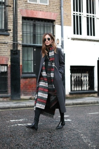 How to wear: red and white horizontal striped shawl, charcoal coat, black turtleneck, black skinny jeans