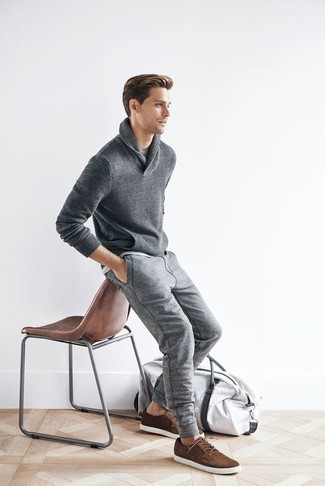 How to Wear a Shawl-Neck Sweater: For an off-duty ensemble with a twist, team a shawl-neck sweater with grey sweatpants. Brown suede low top sneakers are a wonderful choice to complete your ensemble.