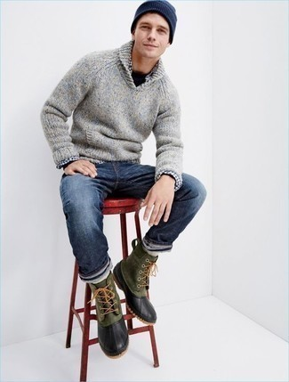 How to Wear a Shawl-Neck Sweater: This relaxed combo of a shawl-neck sweater and navy jeans is very easy to pull together without a second thought, helping you look stylish and prepared for anything without spending a ton of time rummaging through your wardrobe. Go the extra mile and change up your ensemble by finishing with a pair of dark green snow boots.