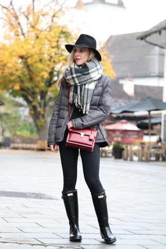 How to wear: grey plaid shawl, grey puffer jacket, black crew-neck sweater, black leggings