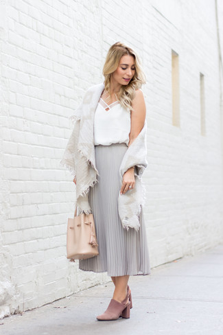 How to wear: beige cotton shawl, white silk tank, grey pleated chiffon midi skirt, pink suede mules