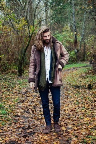 Shirt Outfits For Men: For something on the casual and cool side, you can wear a shirt and navy jeans. Go the extra mile and switch up your look by slipping into a pair of dark brown suede casual boots.