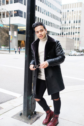 Black Ripped Skinny Jeans Outfits For Men: This casual street style combination of a black shearling coat and black ripped skinny jeans is extremely easy to put together in no time, helping you look stylish and ready for anything without spending a ton of time digging through your closet. A good pair of burgundy leather casual boots is an effective way to bring a touch of sophistication to this outfit.