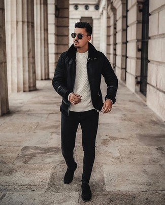 Dark Green Sunglasses Outfits For Men: Pair a black shearling jacket with dark green sunglasses for a fashionable and easy-going ensemble. If you need to easily spruce up this getup with one single item, complement your ensemble with a pair of black suede chelsea boots.