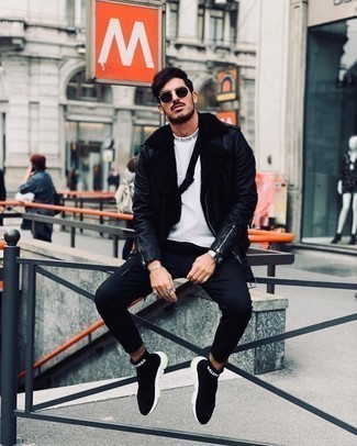 White Print Crew-neck T-shirt Chill Weather Outfits For Men: Who said you can't make a fashion statement with a street style getup? You can do that efforlessly in a white print crew-neck t-shirt and black skinny jeans. Black and white athletic shoes make your ensemble complete.