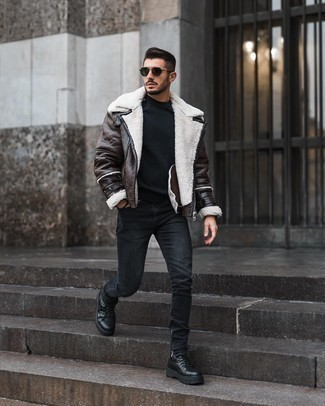 Navy Sunglasses Outfits For Men In Their 20s: If the situation permits off-duty style, choose a dark brown shearling jacket and navy sunglasses. Black leather work boots are a stylish accompaniment to this outfit. Outfit inspiration like this will help you remain incredibly fashionable as you work your way through your 20s.