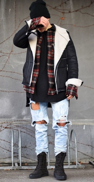 This combo of a black and white shearling jacket and a black beanie will add a graceful essence to your look. Opt for a pair of black suede high top sneakers to have some fun with things. Be sure that this combo won't let you down when it's so bitterly cold outside.