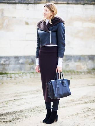 If it's comfort and practicality that you're seeking in an outfit, choose a black shearling jacket and a Rag & Bone Phoebe Back Zip Midi Skirt. Round off with black suede ankle boots and off you go looking smashing. With the departure of snow come warmer days and more sunlight and the need for a fresh getup just like this one.