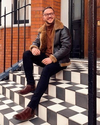 Brown Turtleneck Outfits For Men: If you'd like take your casual style to a new height, opt for a brown turtleneck and navy skinny jeans. With footwear, go for something on the smarter end of the spectrum with brown leather chelsea boots.