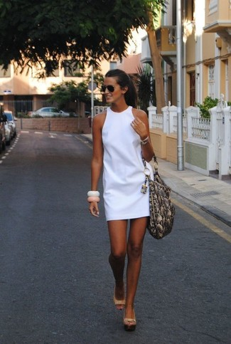 How to wear: white shift dress, beige leather wedge sandals, grey snake leather tote bag, black sunglasses