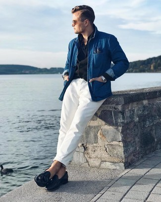 Black Polo Smart Casual Outfits For Men: A black polo and white chinos matched together are a wonderful match. If you need to instantly spruce up this ensemble with one piece, add black leather tassel loafers to the equation.