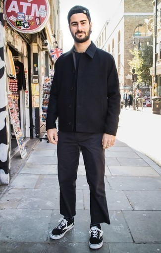 Charcoal Jeans Outfits For Men: Pair a black shirt jacket with charcoal jeans for a sharp, relaxed ensemble. Inject some casualness into this look with black and white canvas low top sneakers.