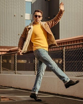 Men's Outfits 2020: This off-duty pairing of a brown shirt jacket and light blue jeans is very easy to put together without a second thought, helping you look awesome and prepared for anything without spending too much time going through your wardrobe. Complement your outfit with black leather casual boots to pull the whole ensemble together.