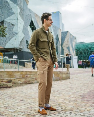 How to wear: olive shirt jacket, white crew-neck t-shirt, khaki cargo pants, tobacco suede loafers