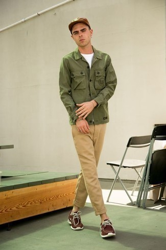 How to Wear Boat Shoes: For an effortlessly polished ensemble, consider pairing an olive shirt jacket with khaki chinos — these items work nicely together. Let your outfit coordination skills really shine by finishing your getup with boat shoes.