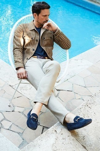 How to Wear Driving Shoes For Men: A tan vertical striped shirt jacket and beige chinos are an easy way to infuse effortless cool into your casual lineup. Driving shoes look right at home paired with this ensemble.
