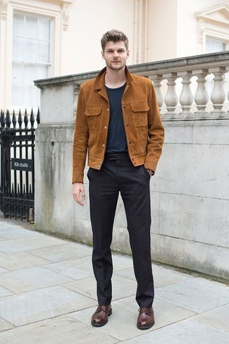 Tobacco Suede Shirt Jacket Outfits For Men: A tobacco suede shirt jacket looks so sophisticated when paired with charcoal dress pants. Throw brown leather derby shoes into the mix and off you go looking boss.
