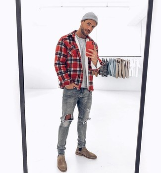 How to wear: red plaid shirt jacket, grey crew-neck t-shirt, grey ripped jeans, grey suede chelsea boots
