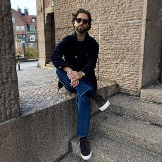 Navy Corduroy Shirt Jacket Outfits For Men: If you like comfortable menswear, dress in a navy corduroy shirt jacket and blue jeans. Dark brown suede low top sneakers are guaranteed to add a sense of stylish effortlessness to your look.
