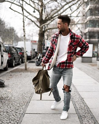 How to wear: red plaid shirt jacket, white crew-neck t-shirt, light blue ripped skinny jeans, white low top sneakers