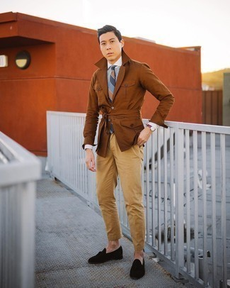 Men's Outfits 2020: Choose a white and blue vertical striped dress shirt for incredibly stylish attire.