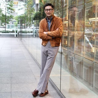 Sunglasses Outfits For Men: This pairing of a tobacco suede shirt jacket and sunglasses is the perfect foundation for a laid-back and cool getup. Brown leather loafers are an easy way to punch up your ensemble.