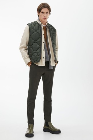 Grey Scarf Outfits For Men: Putting together a beige shirt jacket with a grey scarf is a savvy option for a casual and cool ensemble. Rev up this whole getup with a pair of olive leather chelsea boots.