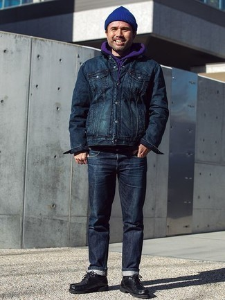 How To Wear Blue Jeans With Black Leather Boots For Men: This laid-back combo of a navy shirt jacket and blue jeans is super easy to put together in no time, helping you look sharp and ready for anything without spending a ton of time going through your wardrobe. Now all you need is a pair of black leather boots to complete this ensemble.