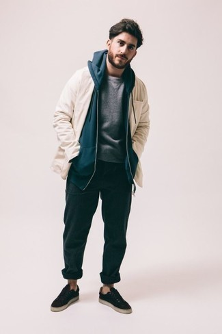 How to Wear a Beige Shirt Jacket For Men: This casual pairing of a beige shirt jacket and teal sweatpants is a surefire option when you need to look dapper but have zero time to spare. A pair of black canvas low top sneakers is a smart idea to complete your getup.