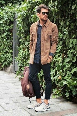 How to Wear a Navy Long Sleeve Shirt For Men: A navy long sleeve shirt and black chinos are a combo that every modern gent should have in his closet. For something more on the casual end to round off this look, introduce a pair of beige athletic shoes to your look.