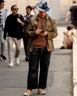 How to wear: olive shirt jacket, tobacco polo, black cargo pants, orange canvas low top sneakers