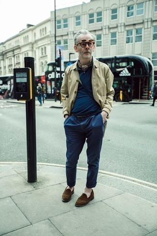 How to Wear a Beige Shirt Jacket For Men: Such must-haves as a beige shirt jacket and navy chinos are the perfect way to inject some elegance into your current off-duty lineup. Clueless about how to finish your getup? Rock a pair of brown suede loafers to amp up the style factor.