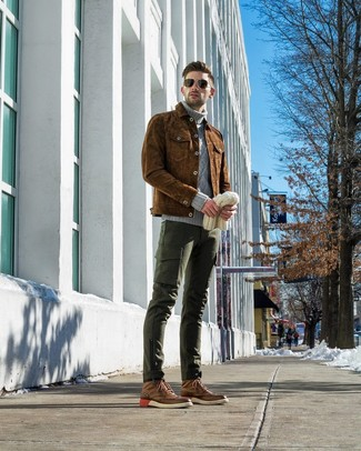How to wear: brown suede shirt jacket, grey knit turtleneck, dark green cargo pants, brown leather brogue boots