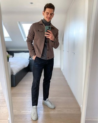 Men's Outfits 2020: For an effortlessly smart look, make a brown shirt jacket and navy chinos your outfit choice — these pieces go perfectly well together. If you want to effortlessly dress down your look with a pair of shoes, why not add white leather low top sneakers to the mix?