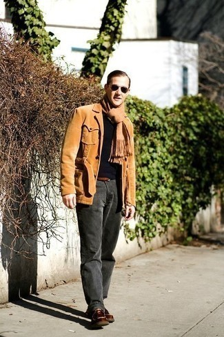 How to Wear a Belt For Men: Reach for a tan corduroy shirt jacket and a belt to put together a razor-sharp and casual street style ensemble. Throw brown leather desert boots into the mix to completely spice up the getup.