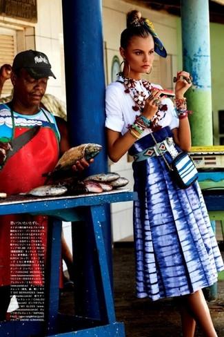 How to wear: white short sleeve blouse, blue tie-dye midi skirt, white horizontal striped leather crossbody bag, blue print bandana