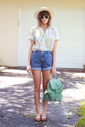 If you're facing a fashion situation where comfort is prized, dress in a white floral short sleeve blouse and a hat. A pair of brown leather ballerina shoes ads edginess to a femme classic. Clearly, it's easier to work through a hot afternoon in a summery ensemble such as this one.