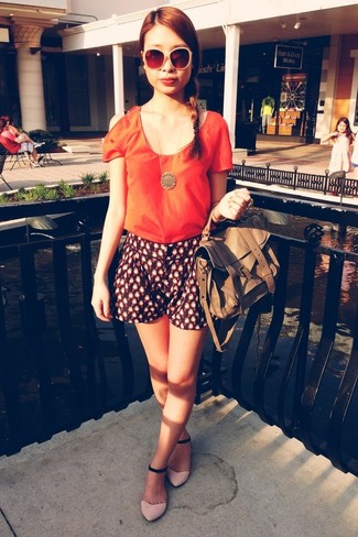 How to wear: orange short sleeve blouse, navy print shorts, pink suede flat sandals, brown leather tote bag