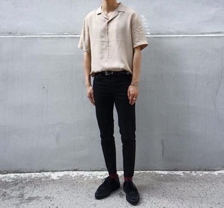 Men's Looks & Outfits: What To Wear In 2020: This casually stylish look is really pared down: a beige short sleeve shirt and black chinos. If you wish to immediately step up this getup with shoes, why not add black suede derby shoes to the equation?