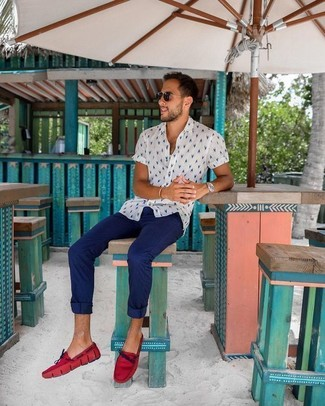 How to wear: white print short sleeve shirt, navy chinos, red leather driving shoes, black sunglasses