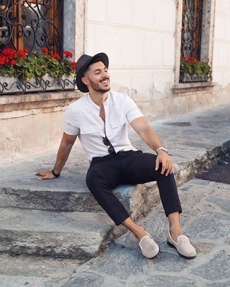 White Short Sleeve Shirt Outfits For Men: A white short sleeve shirt and black chinos worn together are a perfect match. For something more on the classier side to complement this ensemble, complement this look with beige canvas loafers.