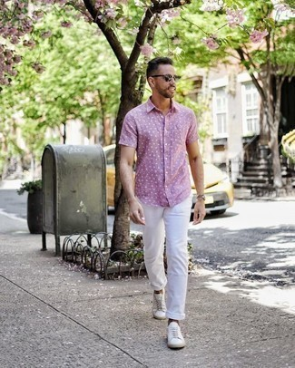 How to Wear Dark Green Sunglasses For Men: Infuse a relaxed touch into your daily outfit choices with a pink polka dot short sleeve shirt and dark green sunglasses. Clueless about how to complete your look? Finish with a pair of white canvas low top sneakers to boost the fashion factor.