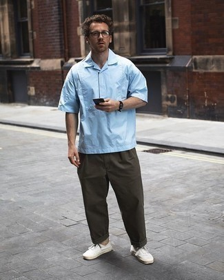 Light Blue Short Sleeve Shirt Outfits For Men: This pairing of a light blue short sleeve shirt and olive chinos is impeccably stylish and yet it looks laid-back and ready for anything. When it comes to shoes, this outfit is complemented brilliantly with white canvas low top sneakers.