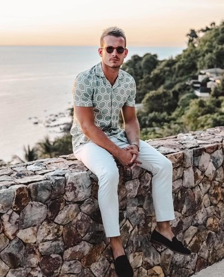 How to wear: grey print short sleeve shirt, white chinos, black suede tassel loafers, dark brown sunglasses