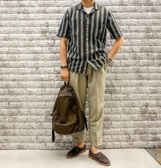 Olive Chinos with Desert Boots Outfits: A dark green vertical striped short sleeve shirt looks so good when paired with olive chinos in a relaxed getup. Go ahead and complement your outfit with desert boots for a hint of refinement.