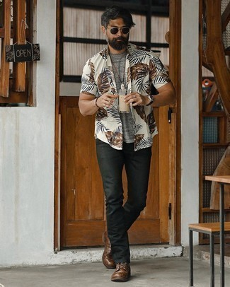 White Print Short Sleeve Shirt Outfits For Men: A white print short sleeve shirt and black chinos are the kind of a tested casual getup that you need when you have zero time to dress up. To give your overall look a dressier feel, complement your outfit with dark brown leather casual boots.