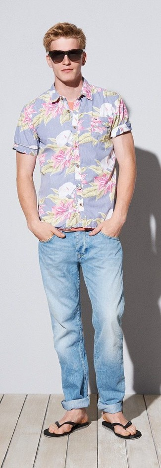 Rock a floral short sleeve shirt with baby blue jeans to create a great weekend-ready look. For a more relaxed take, go for a pair of black flip flops.