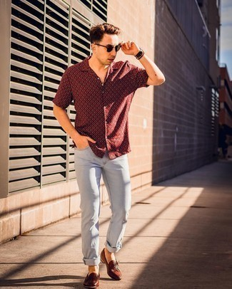 Light Blue Jeans Outfits For Men: A burgundy print short sleeve shirt and light blue jeans are a savvy combination that will effortlessly take you throughout the day. For something more on the classier side to complement your look, introduce a pair of brown woven leather loafers to your outfit.